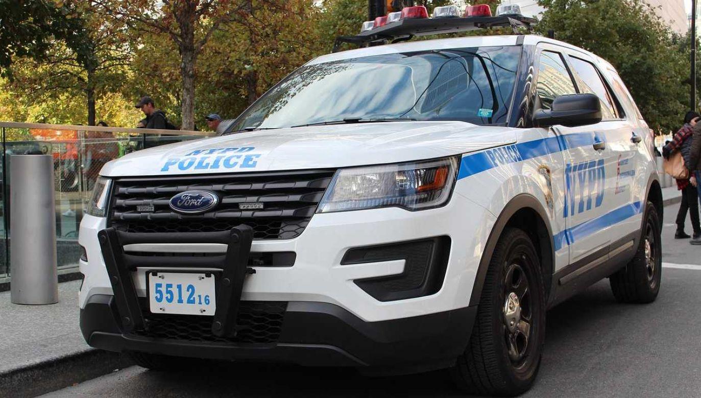 Policjanci odpowiedzieli na wezwanie (fot. FB/NYPD)