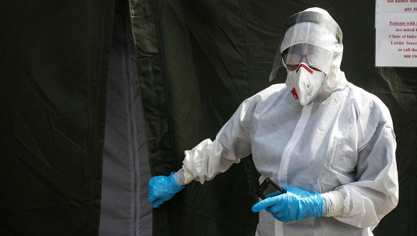 Nowe dane o zakażeniach koronawirusem w Polsce (fot. Jacek Szydlowski/NurPhoto via Getty Images))