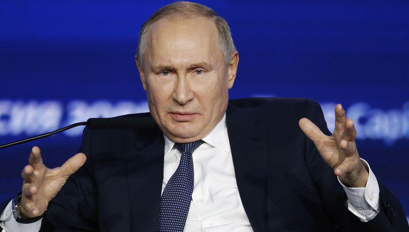 Prokremlowski portal Sputnik dużo miejsca poświęcił słowom Grzegorza Brauna z Konfederacji, który nazwał obecność amerykańskich wojsk w Polsce zdradą. (fot. PAP/EPA/ALEXANDER ZEMLIANICHENKO/POOL )