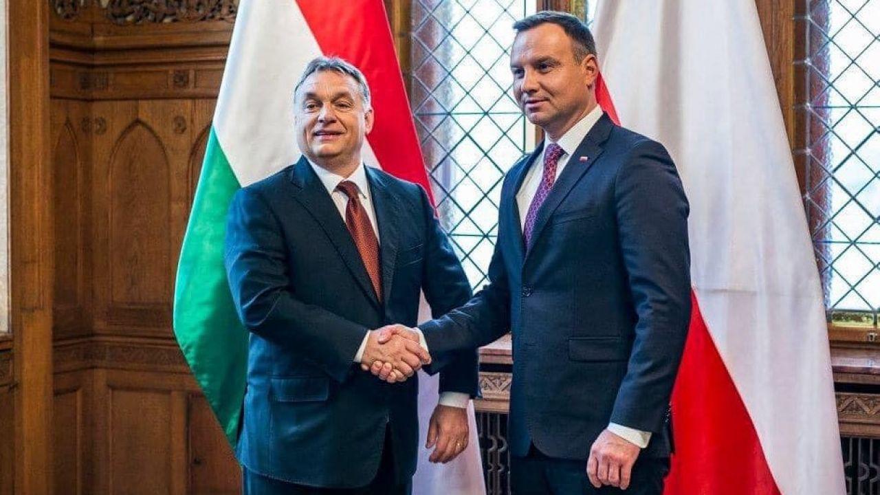 """""""Brawo!"""" – napisał krótko Orban, zamieszczając swoje zdjęcie z Andrzejem Dudą (fot. Facebook/Orbán Viktor)"""