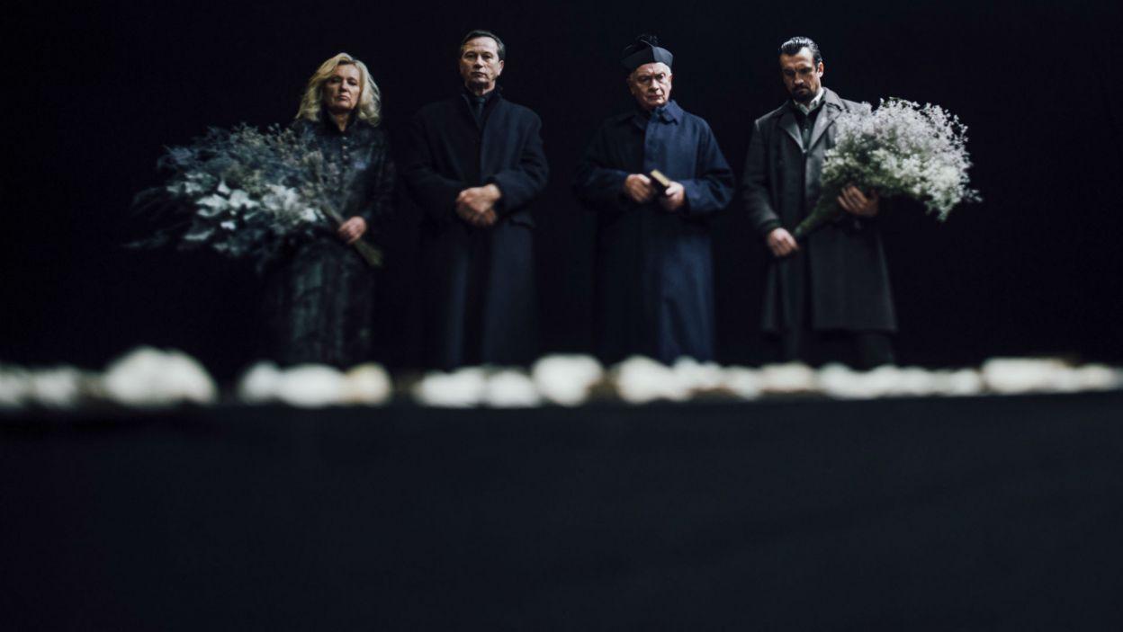 Pogrzeb dziewczyny to dla jej brata, Laertesa (w tej roli wystąpił Michał Czernecki), okazja, by poprzysiąc zemstę uwodzicielowi (fot. Stanisław Loba)