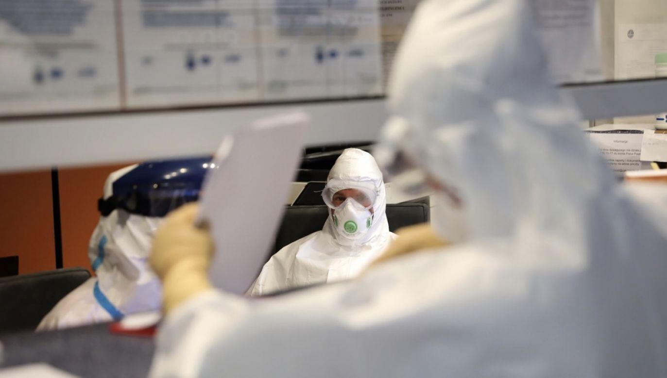 Dziesięciu zakażonych na Mazowszu pacjentów skierowano na pobyt w izolatorium (fot. PAP/Leszek Szymański)