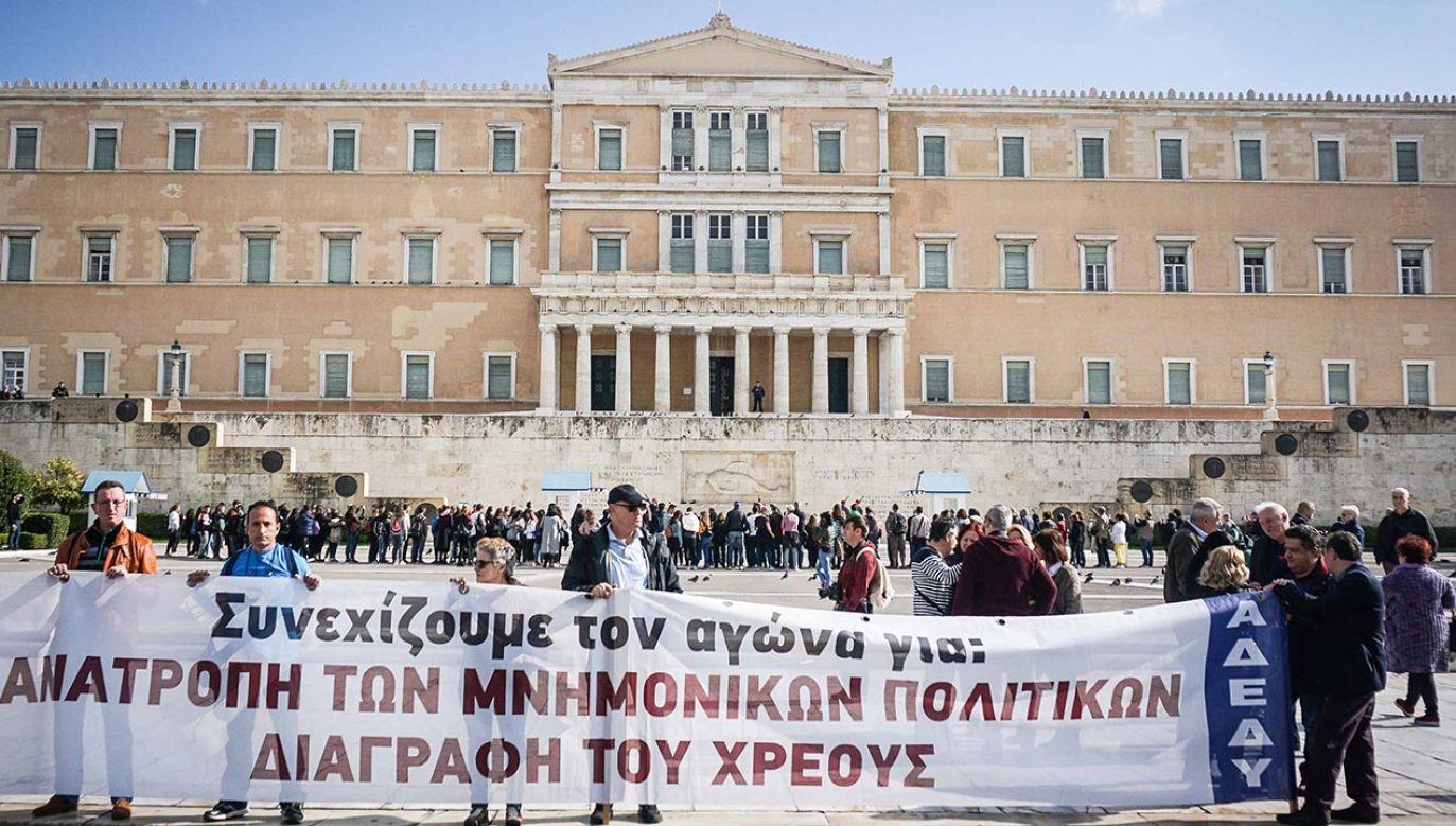 Agencja EFE podkreśla, że wypłata zaległych świadczeń poważnie obciąży grecki system ubezpieczeń emerytalnych (fot. Ioannis Alexopoulos/SOPA Images/LightRocket via Getty Images)