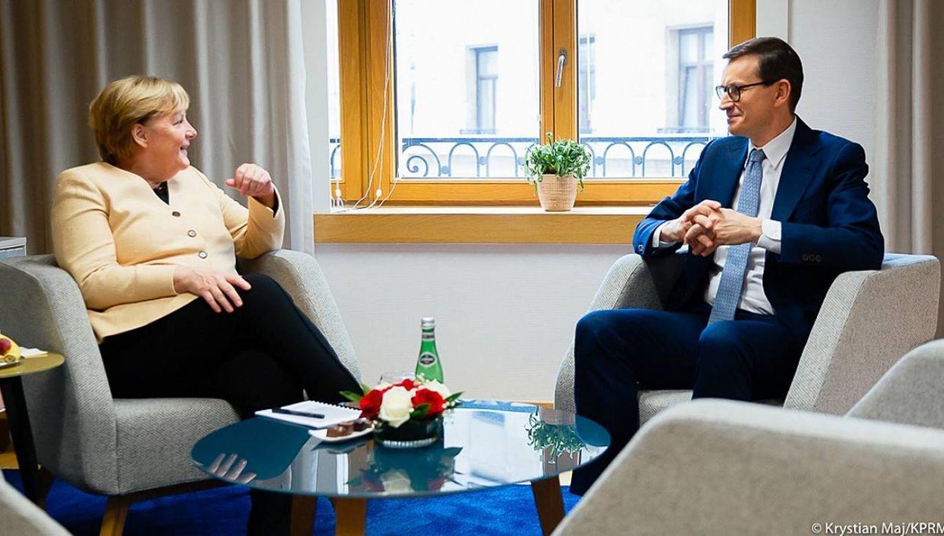 Mateusz Morawiecki i Angela Merkel. Spotkanie podczas szczytu UE (fot. KPRM)