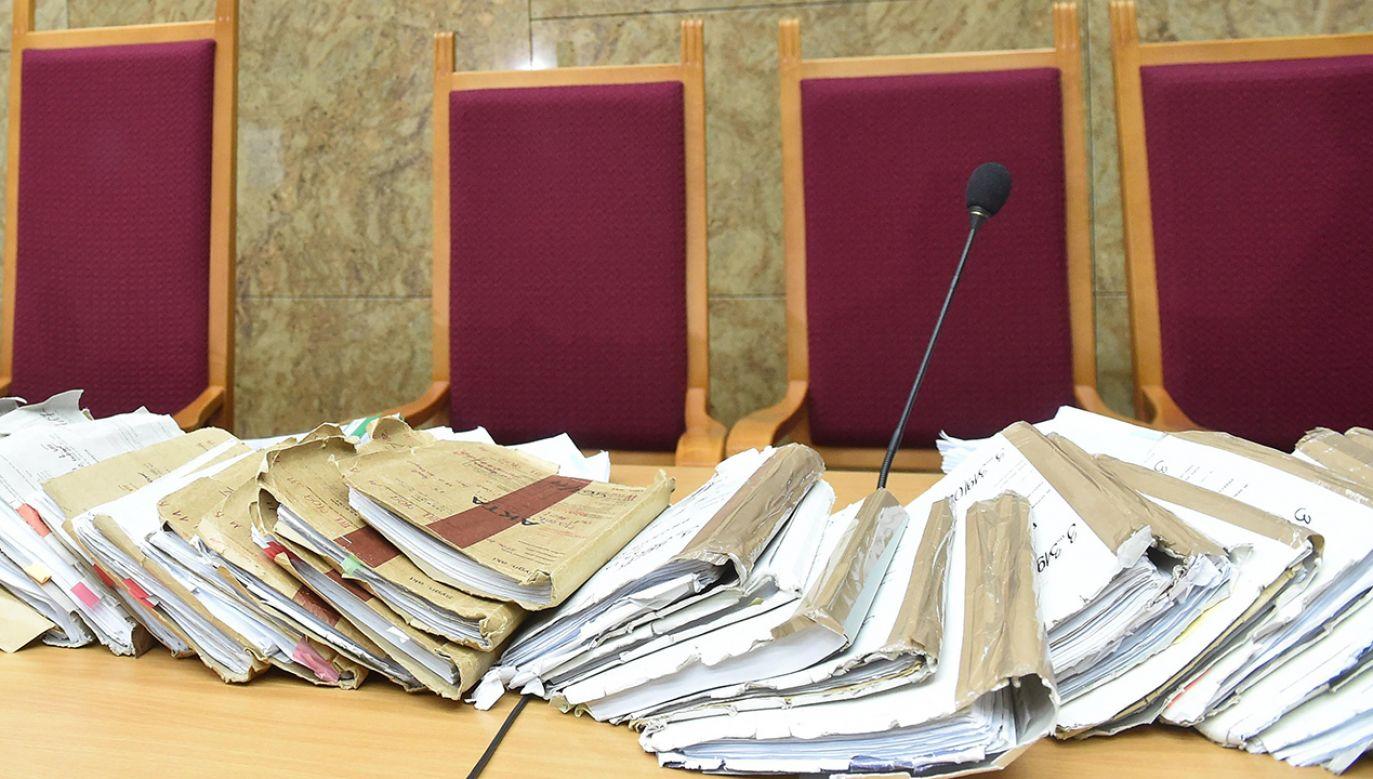 Sąd tymczasowo aresztował podejrzanych na okres trzech miesięcy (fot. arch.PAP/Jacek Bednarczyk, zdjęcie ilustracyjne)