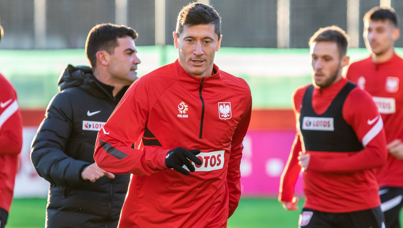 Robert Lewandowski opuścił już w tym sezonie z powodu kontuzji kilka spotkań (fot. Mikolaj Barbanell/SOPA Images/LightRocket via Getty Images)