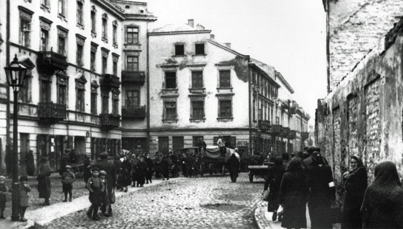 Amerykańscy senatorowie naciskają ws. mienia ofiar Holokaustu w Polsce (fot. Jacek Leociak/Wiki)