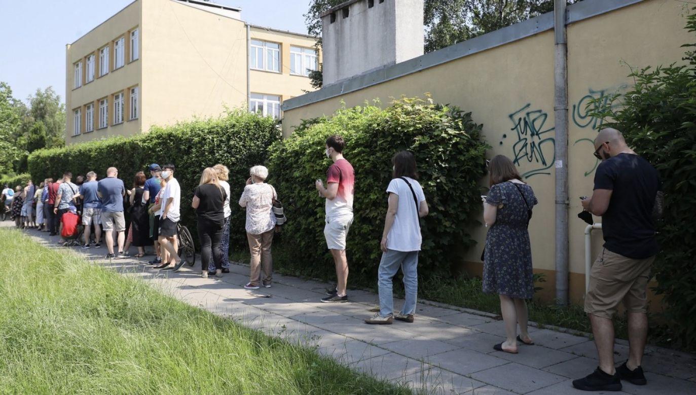 Od I tury wydano też 43,8 tys. zaświadczeń o prawie do głosowania (fot. PAP/Paweł Supernak)