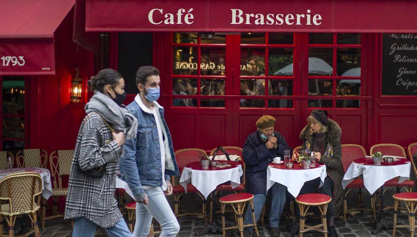 Francja zmaga się z pandemią (fot. PAP/EPA/YOAN VALAT)