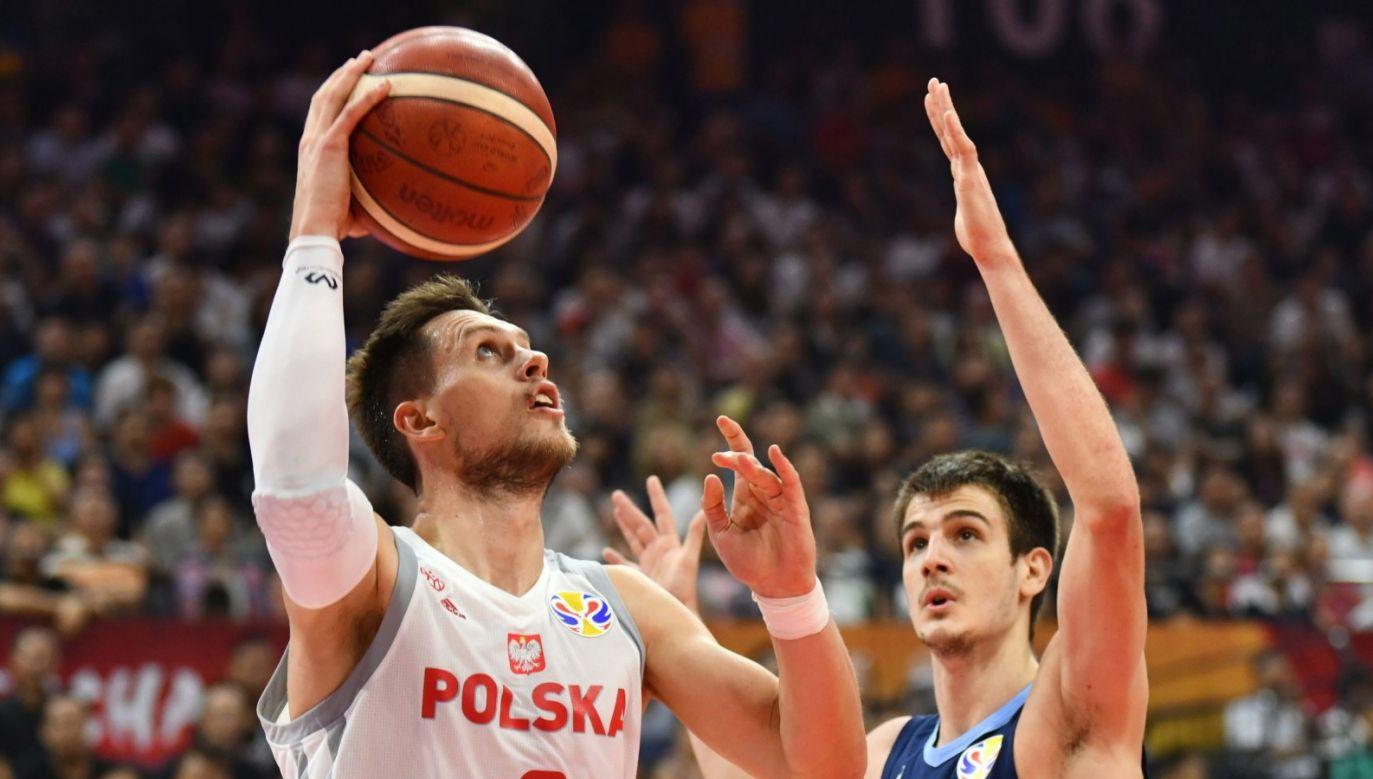 Mateusz Ponitka stał się jednym z najpopularniejszych polskich sportowców (fot. PAP/EPA/COSTFOTO)