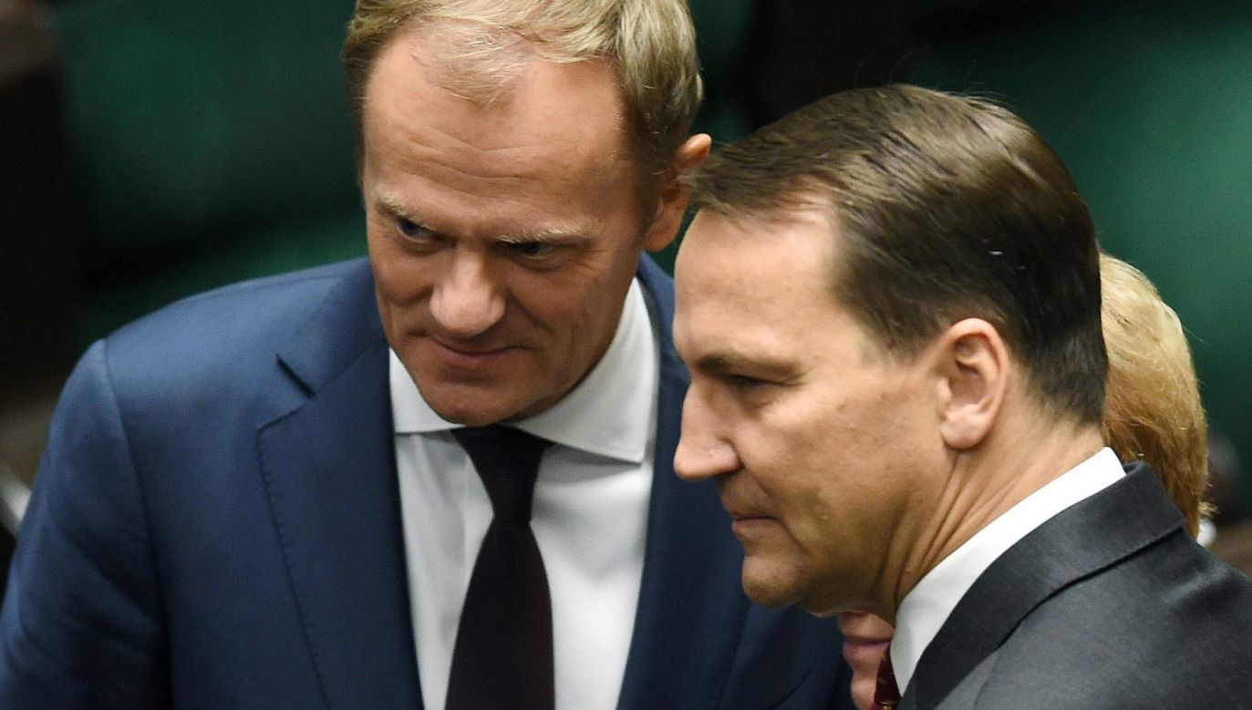 Donald Tusk i Radosław Sikorski (fot. PAP/Radek Pietruszka)