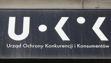 Pożyczkodawca pobierał opłaty przewyższające zaciągnięte kredyty konsumentów (fot. PAP/Rafał Guz)
