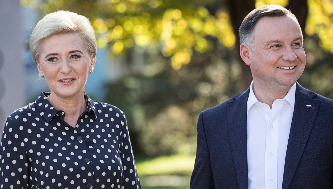 Prezydent Andrzej Duda z małżonką (fot. PAP/Łukasz Gągulski)