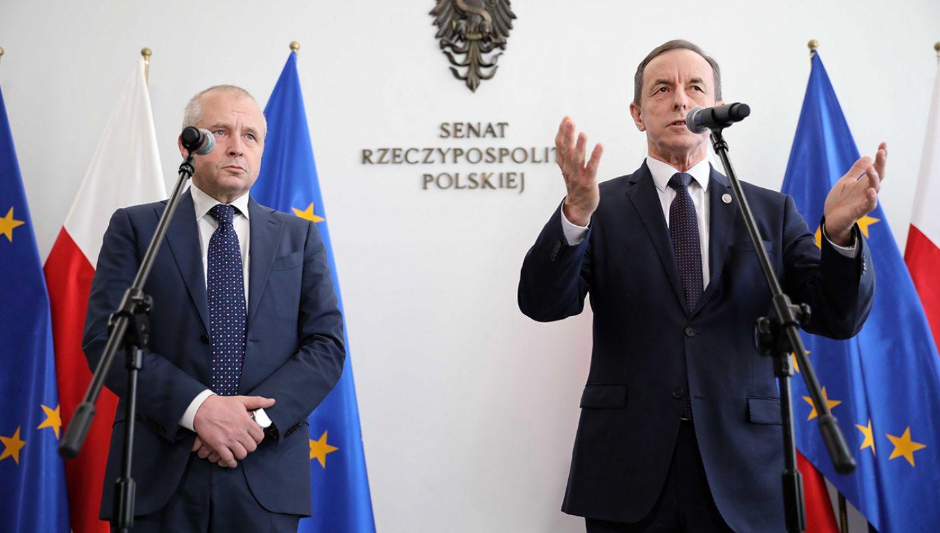 Politycy zaskoczeni linią obrony, na którą zdecydował się pełnomocnik marszałka Grodzkiego.  (fot. arch. PAP/Leszek Szymański)