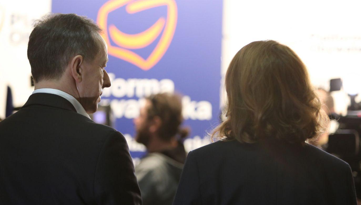 Wicemarszałek Sejmu Małgorzata Kidawa-Błońska (tyłem) i marszałek Senatu Tomasz Grodzki (fot. PAP/Leszek Szymański