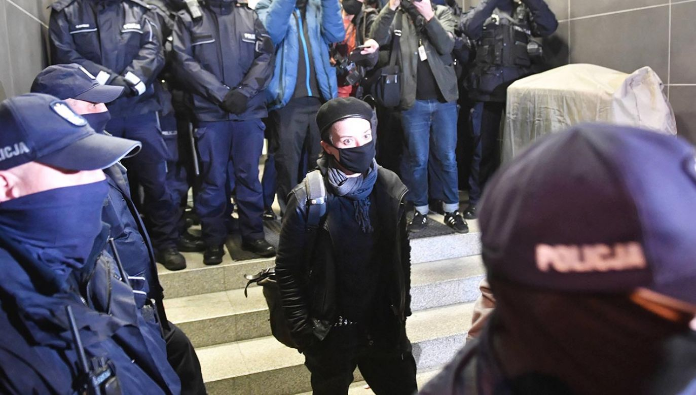 Fotoreporterka została zatrzymana podczas demonstracji przed resortem edukacji (fot. PAP/Radek Pietruszka)