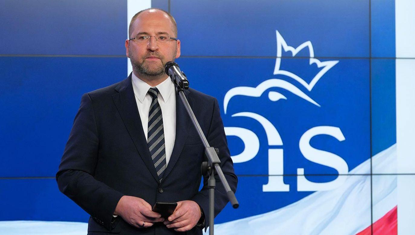 """""""Po raz kolejny apelujemy do opozycji, żeby umożliwiła Polakom wybór głowy państwa w terminie"""" (fot. PAP/Mateusz Marek)"""