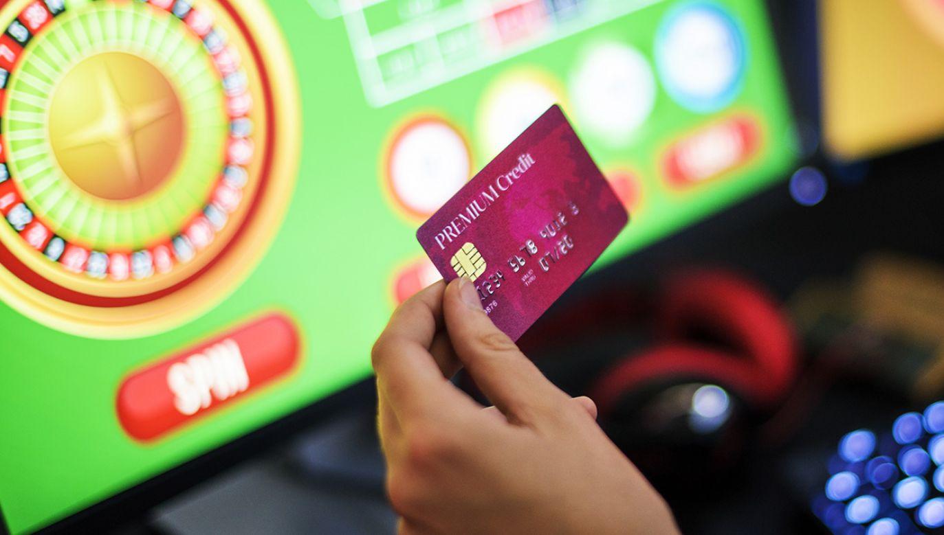 W Wlk. Brytanii do hazardu nie będzie wolno używać kart kredytowych (fot. Shutterstock/Rawpixel.com)