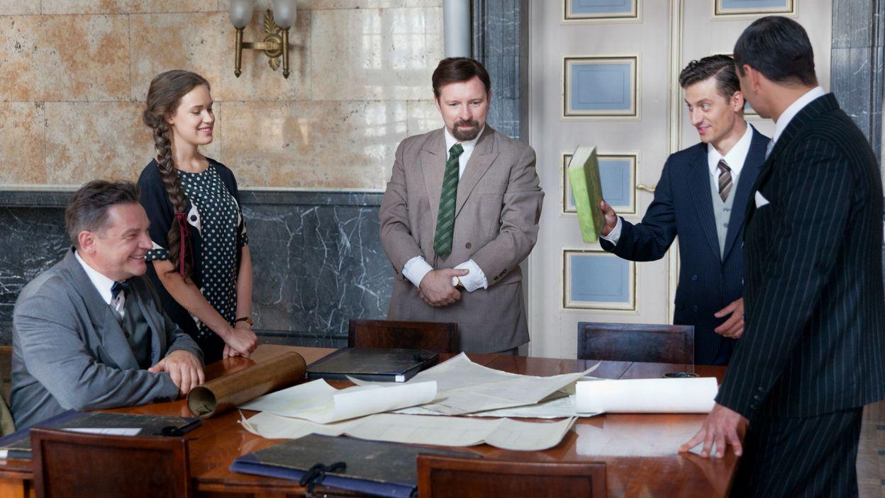 Rozmowa premiera i dziennikarza dotyczy gospodarki przedwojennej Polski (fot. Mirosława Łukaszek)
