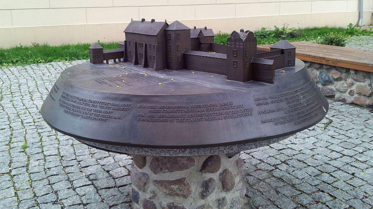 Model zamku według stanu z XVII wieku (fot. wikipedia.org/Kubsson94)