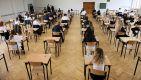Nauka stacjonarna pozostaje w klasach 1-3 poza woj. warmińsko-mazurskim (fot. PAP/Lech Muszyński)