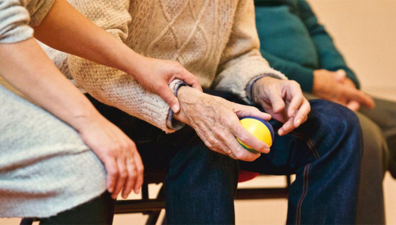Ze środków Funduszu byłoby finansowane jednorazowe roczne świadczenie pieniężne dla emerytów i rencistów (fot. Pexels)