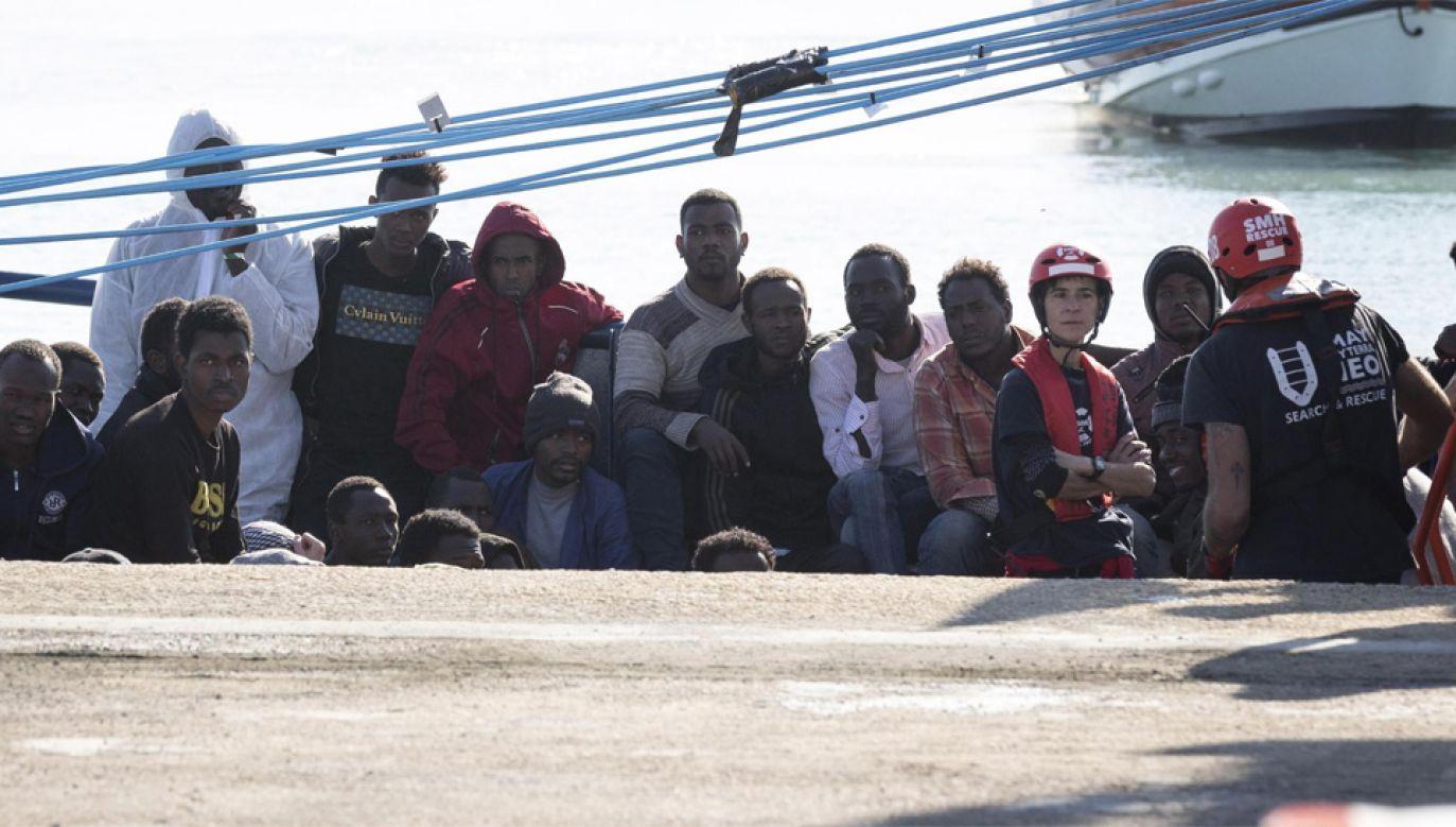 Europa zmaga się z kryzysem migracyjnym (fot. PAP/EPA/FRANCESCO RUTA)