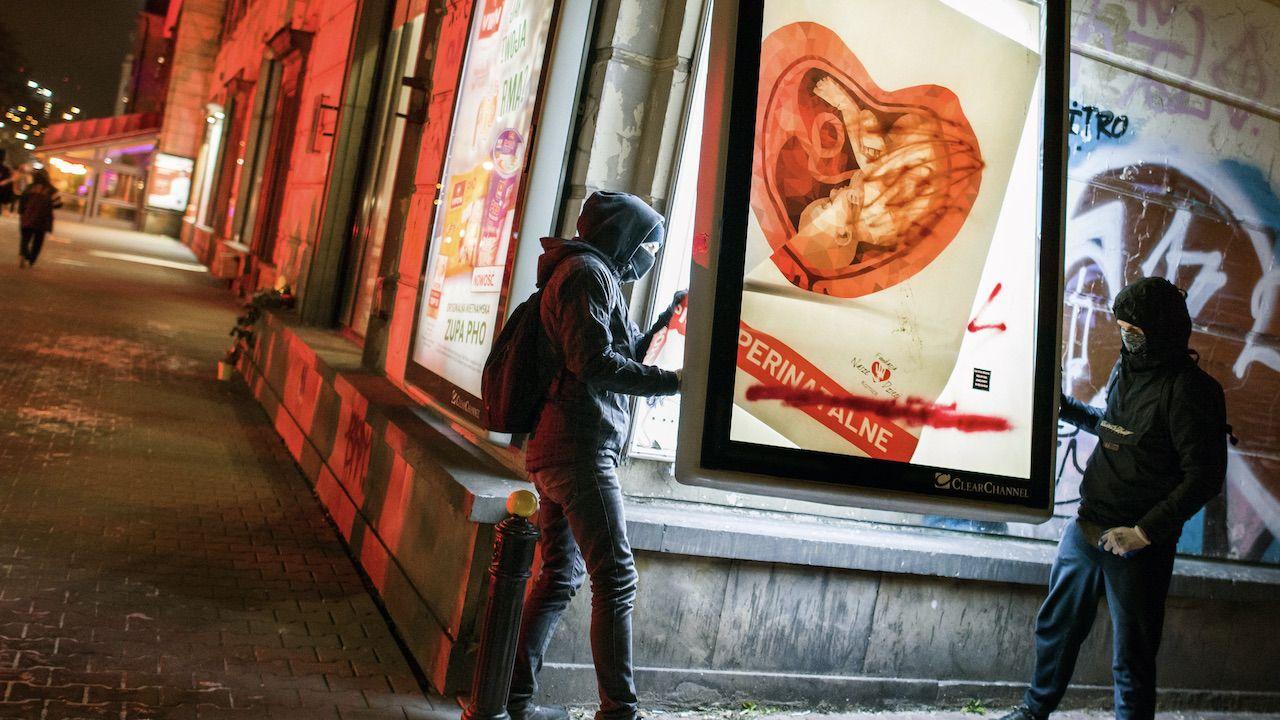 Agnieszka Graff pisze, że plakaty wyprowadzają ją z równowagi  (fot. A.Husejnow/SOPAImages/LightRocket/Getty Images)