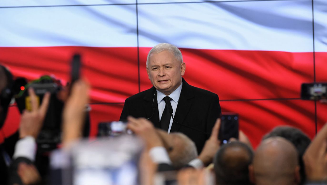"""""""Die Zeit"""" wskazuje, że celem Jarosława Kaczyńskiego jest kontynuowanie zmian w Polsce (fot. PAP/Radek Pietruszka)"""
