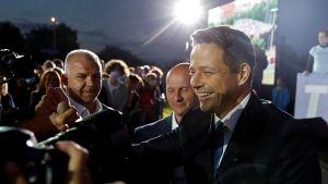 Rafał Trzaskowski zamierza spotkać się z prezydentem Andrzejem Dudą dopiero po ogłoszeniu oficjalnych wyników wyborów (fot. REUTERS/Aleksandra Szmigiel)