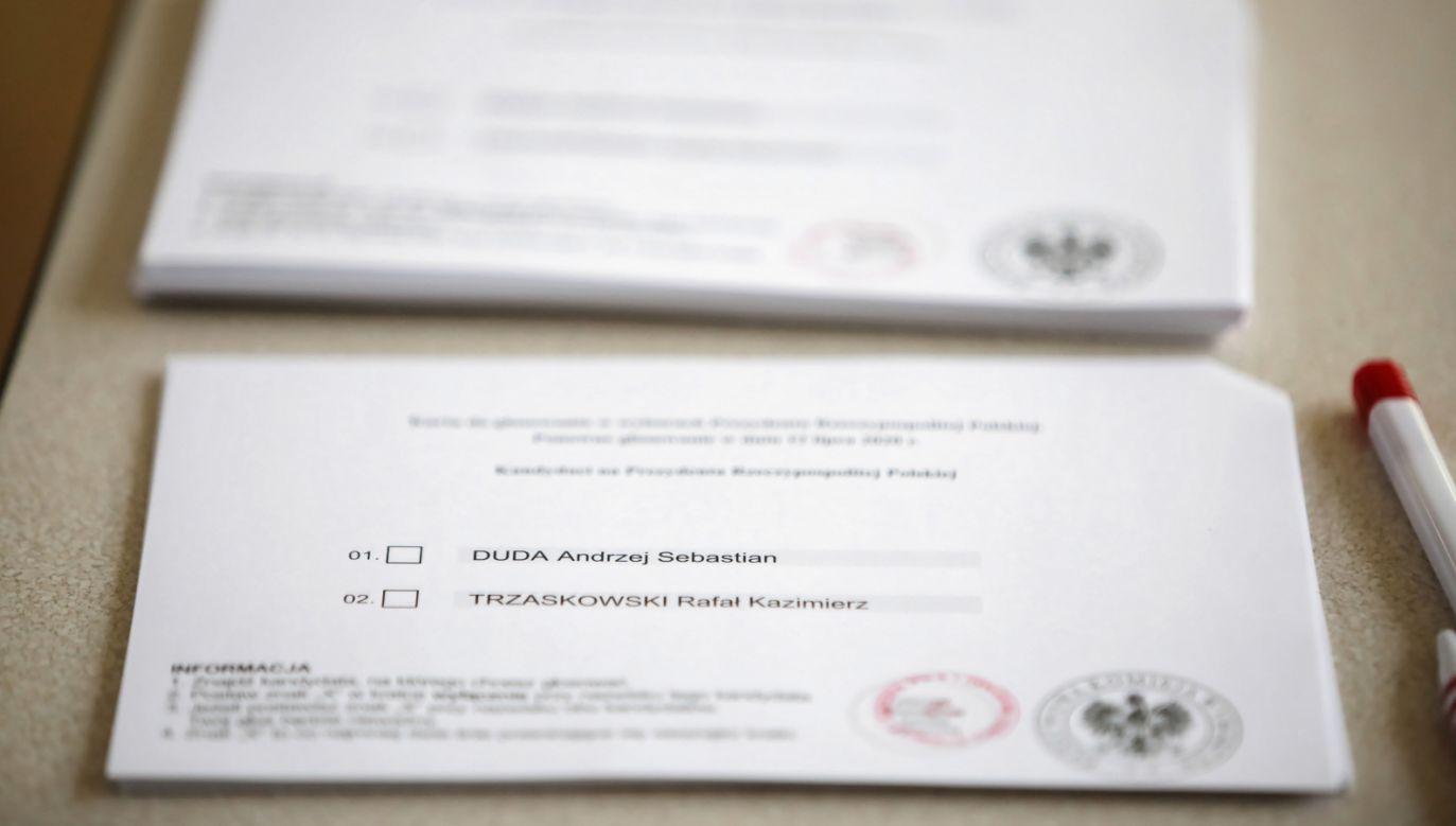 Za złamanie ciszy wyborczej może grozić grzywna od 20 zł do 5 tys. zł. Za publikację sondaży w dniu głosowania może to być nawet milion zł. (fot. PAP/Leszek Szymański)
