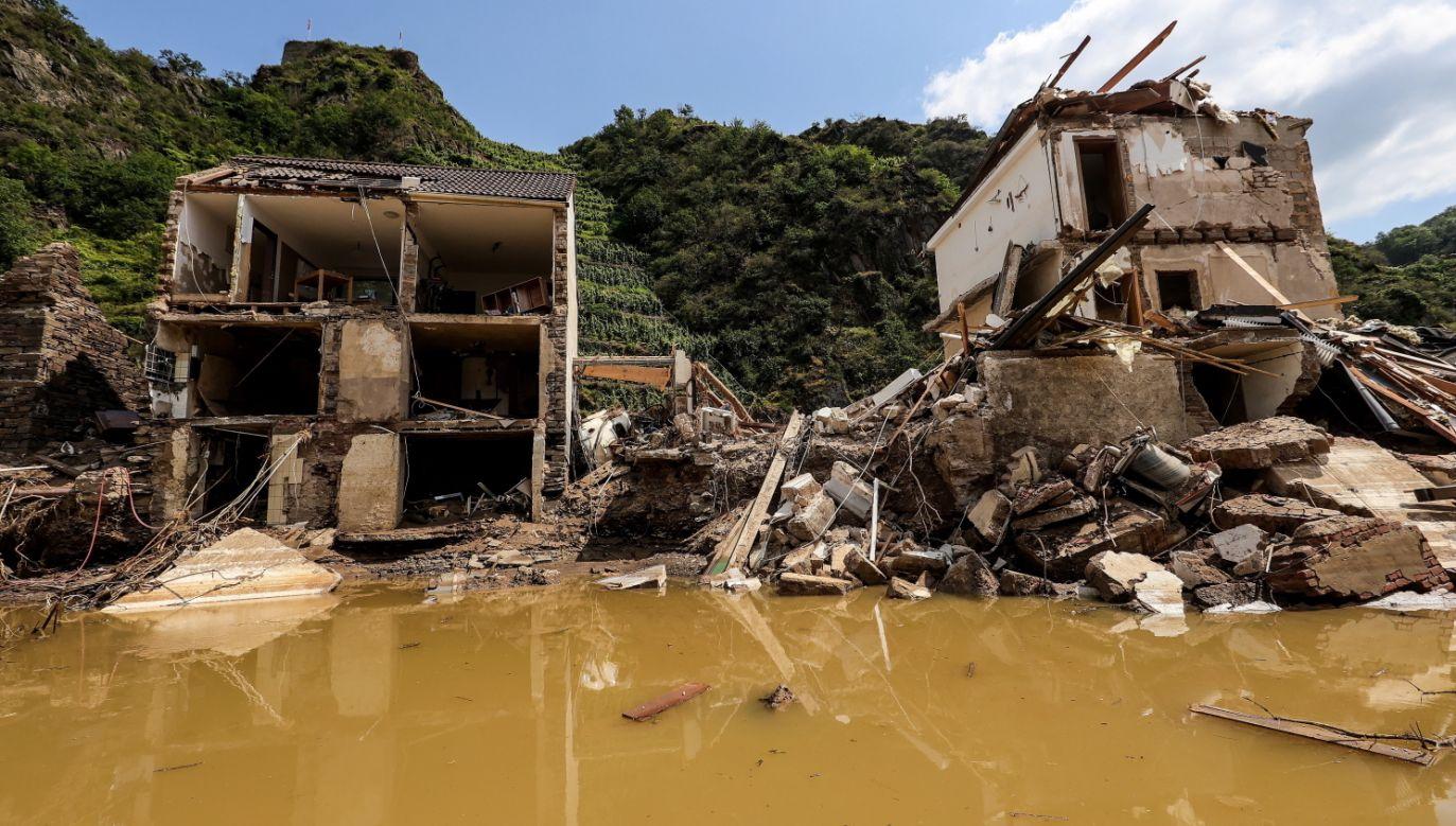 Zniszczone domy w Ahrweiler (fot. PAP/EPA/FRIEDEMANN VOGEL)