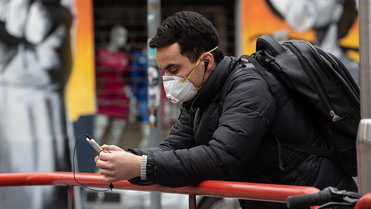 WHO opublikowała raport z Wuhanu o przyczynach wybuchu COVID-19 (fot. Emanuele Cremaschi/Getty Images)
