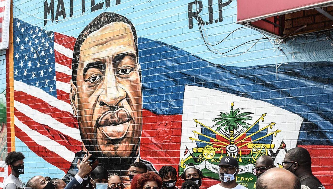 """Pełnomocnik rodziny George'a Floyda – Ben Crump powiedział, że śmierć Floyda była """"bezprawna"""" (fot. Stephanie Keith/Getty Images)"""