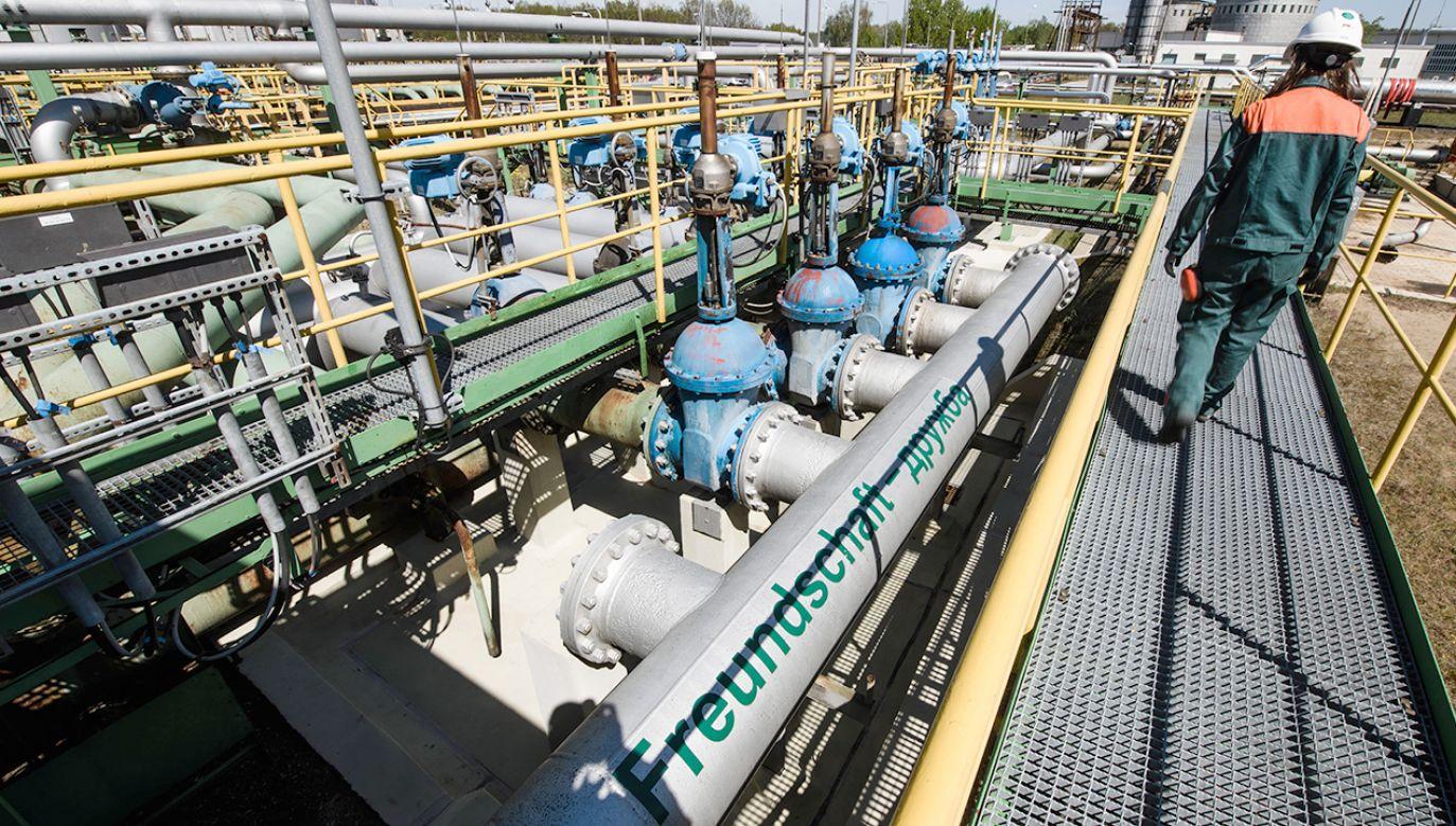 Zanieczyszczony surowiec w maju był skierowany również do zarządzanej przez PKN Orlen litewskiej rafinerii w Możejkach (fot. arch.PAP/EPA/CLEMENS BILAN)