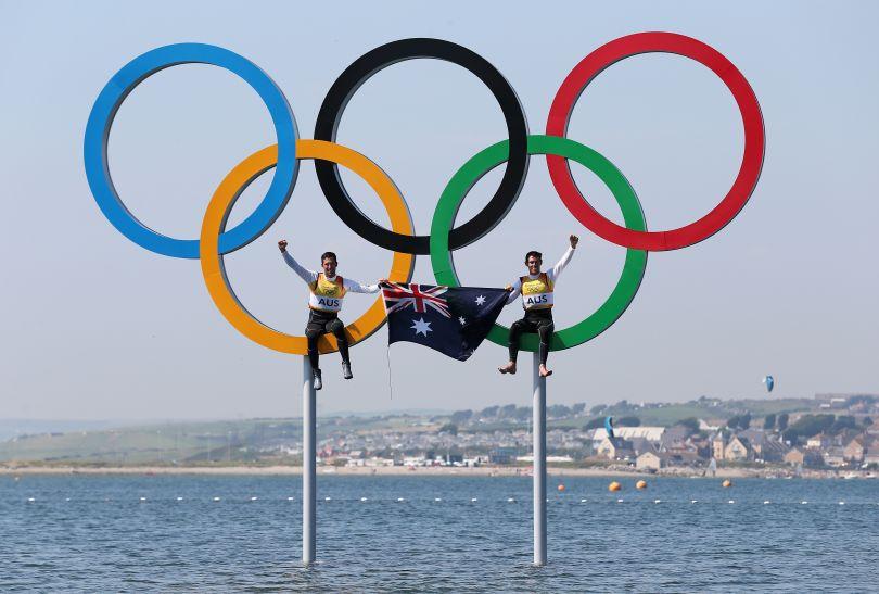 Australijscy żeglarze cieszą się ze złota w klasie 470