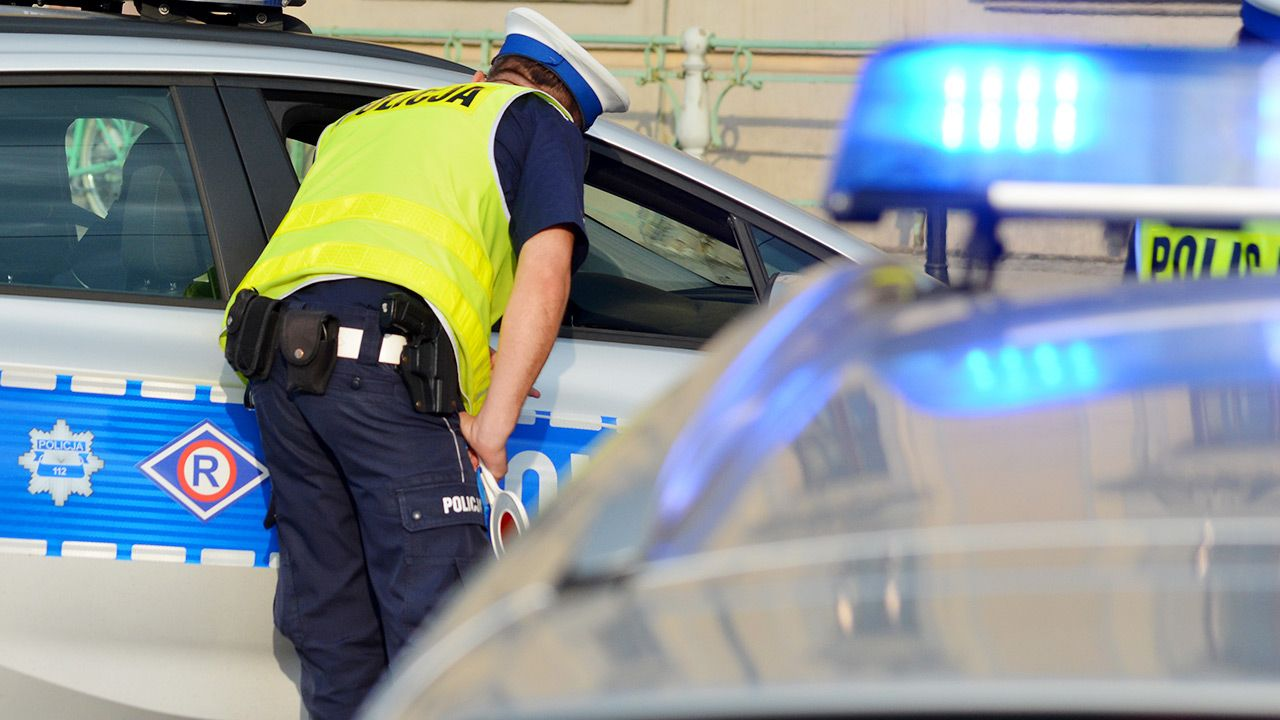 Policja zatrzymała pijanego 25-latka (fot. Shutterstock)