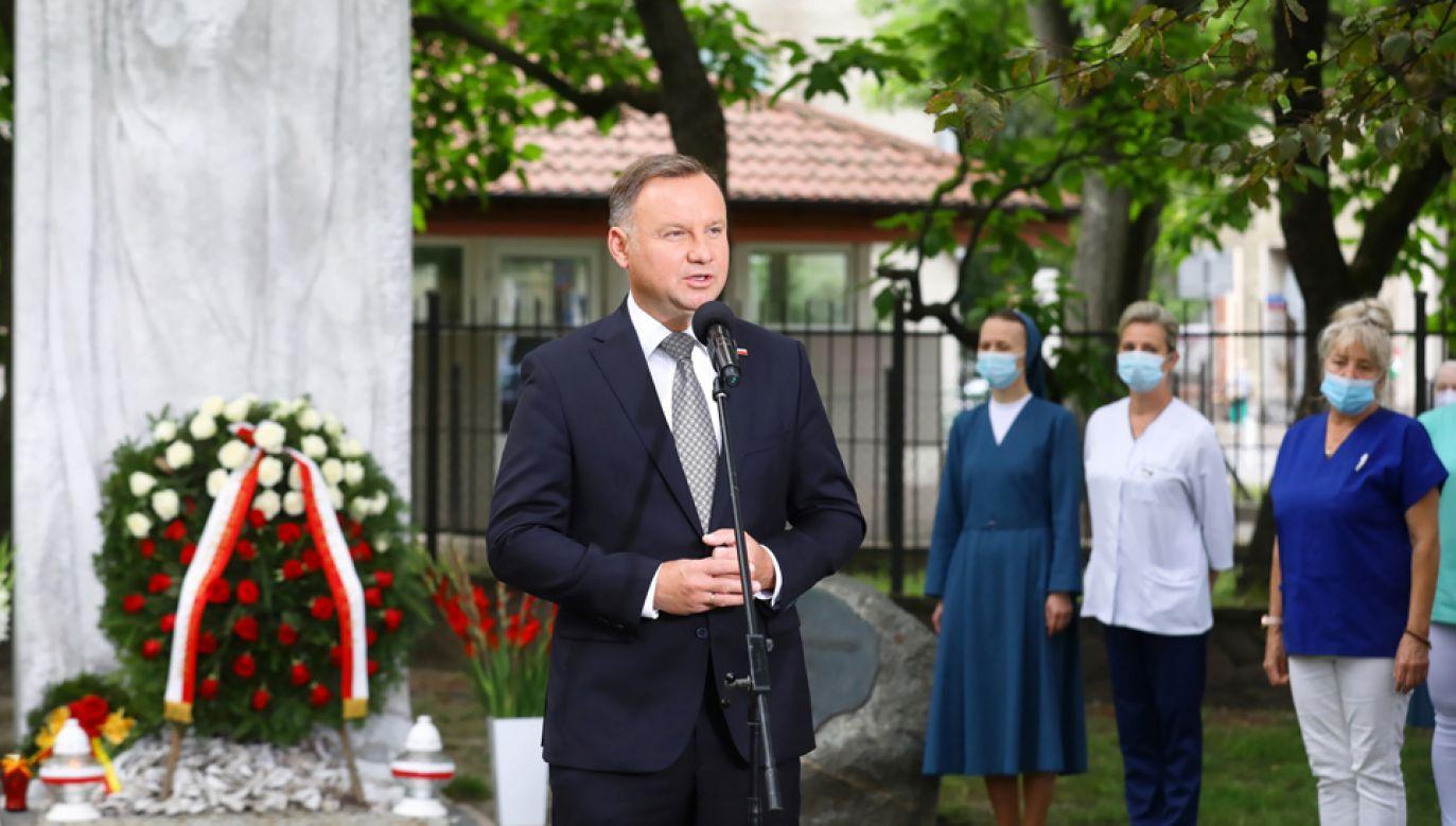 Prezydent oddał hołd ofiarom likwidacji Szpitala Wolskiego (fot. PAP/Rafał Guz)