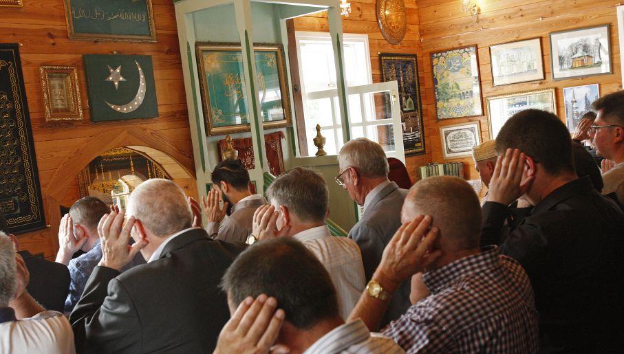 Polish Muslims celebrate the end of Ramadan (polandin.com)