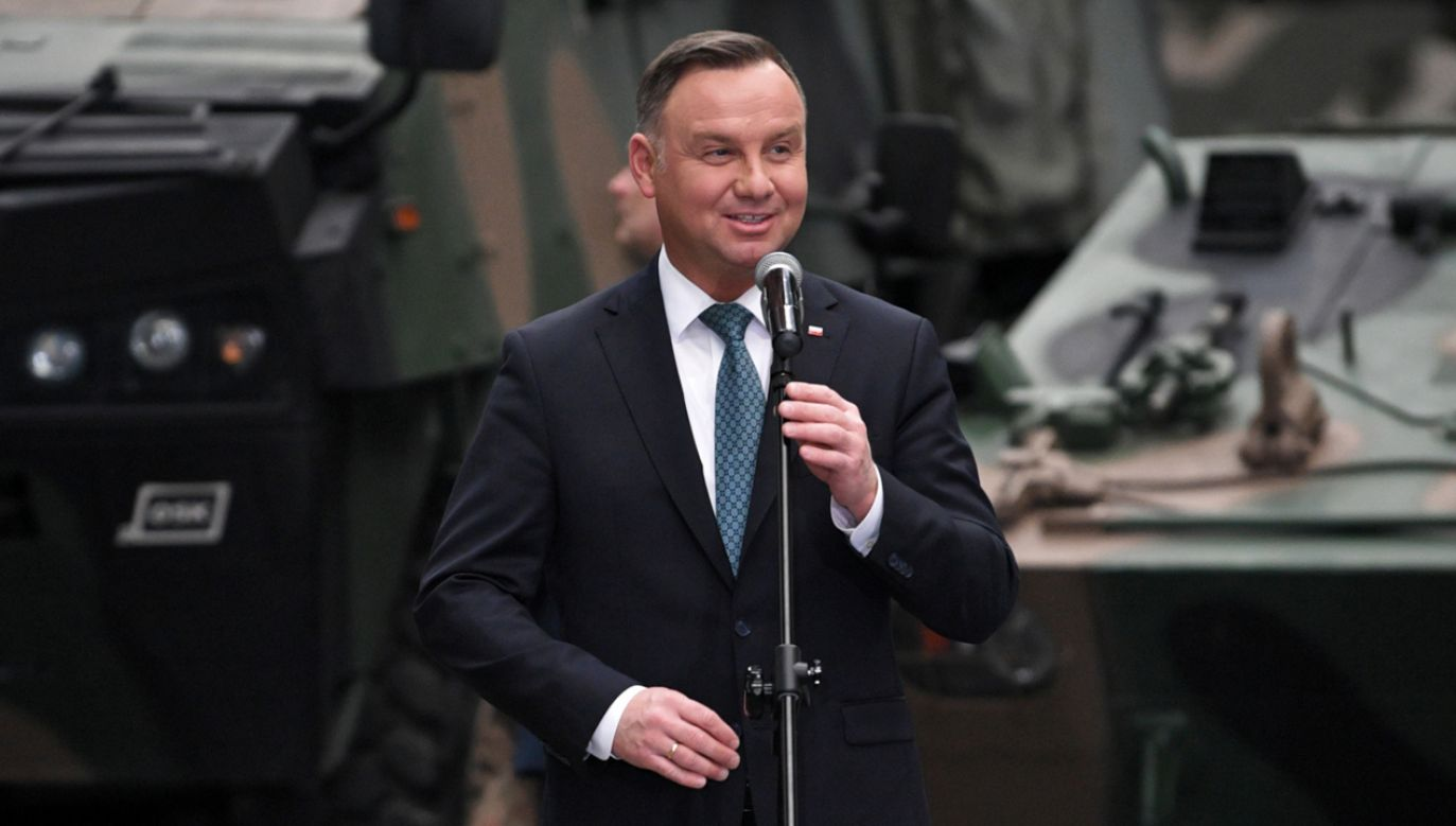 Prezydent Andrzej Duda podczas wizyty w Hucie Stalowa Wola S.A. (fot. PAP/Darek Delmanowicz)
