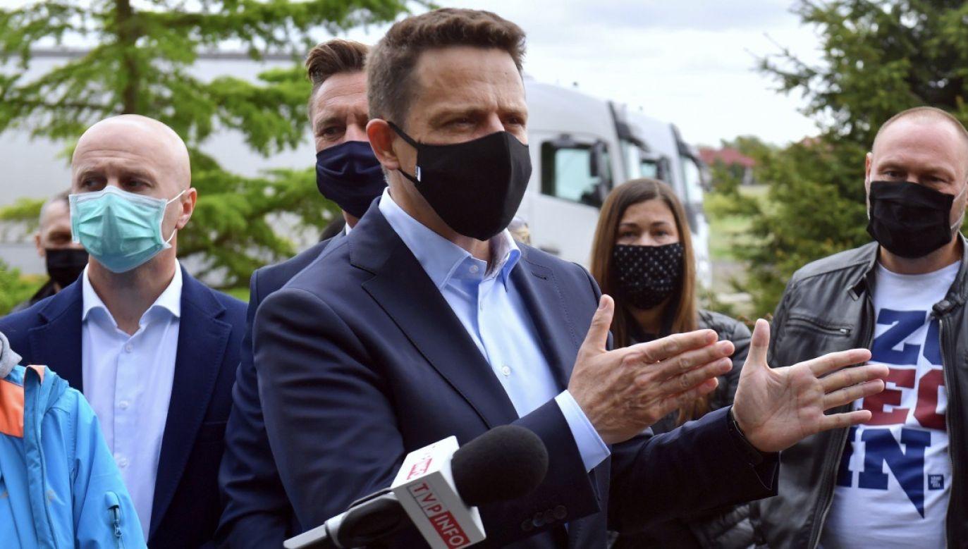 """""""Nie zbieramy podpisów"""" – słyszymy. Tymczasem portal tvp.info ujawnił dziś nagranie, na którym zarejestrowano proceder (fot. PAP/Marcin Bielecki)"""