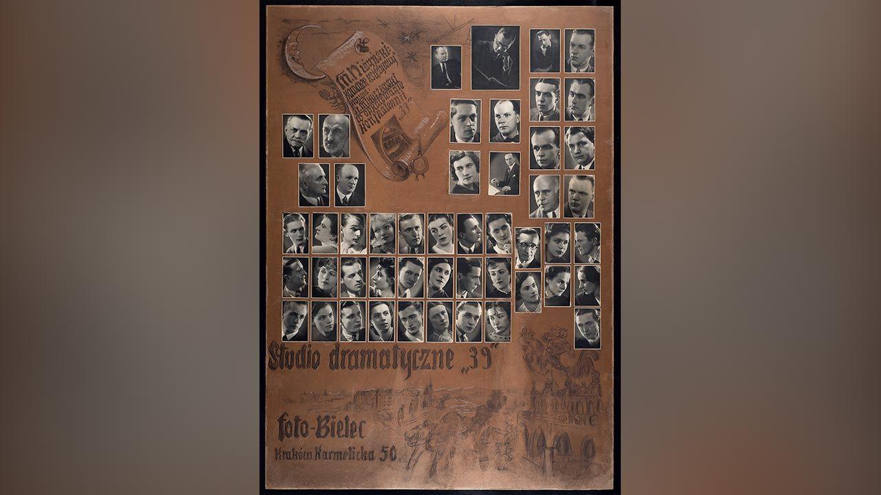 Tableau Studia dramatycznego 39 – Karol Wojtyła z prawej, trzeci od dołu. (fot. Zbiory Mt 5,14 Muzeum Jana Pawła II i Prymasa Wyszyńskiego)