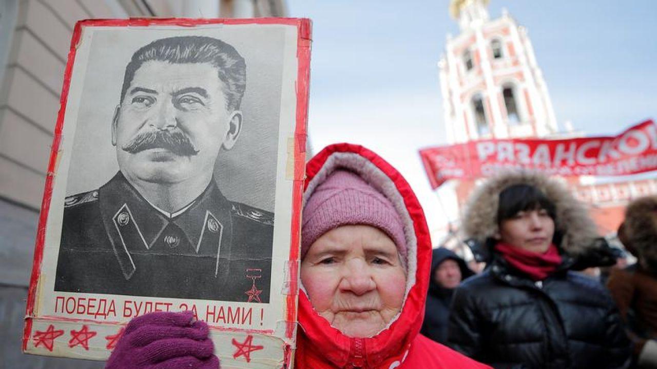 Polityka historyczna, presja historyczna jest wciąż elementem wrogiego oddziaływania Moskwy na inne państwa (fot. REUTERS/Maxim Shemetov)