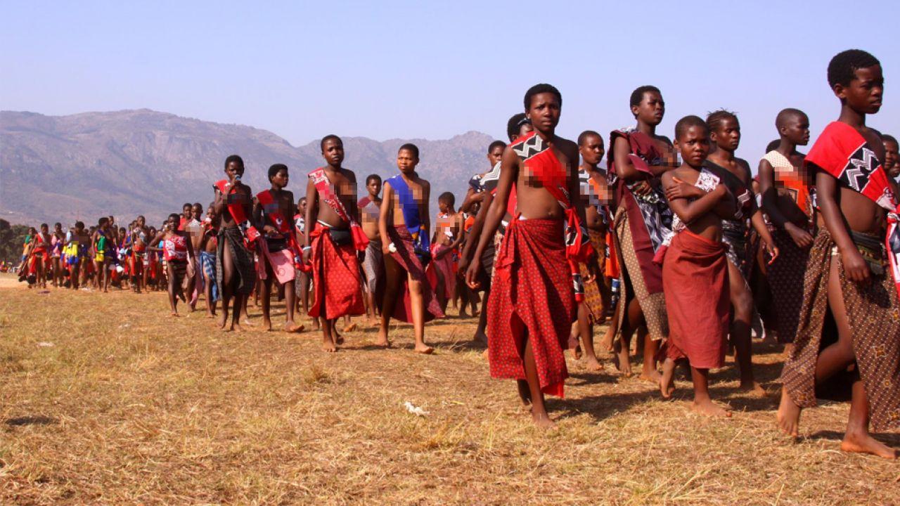 Umhlanga, lub Taniec (Festiwal] Trzcin, to trwające osiem dni doroczne święto obchodzone w Suazi w sierpniu lub na początku września (fot. Flickr/salymfayad)