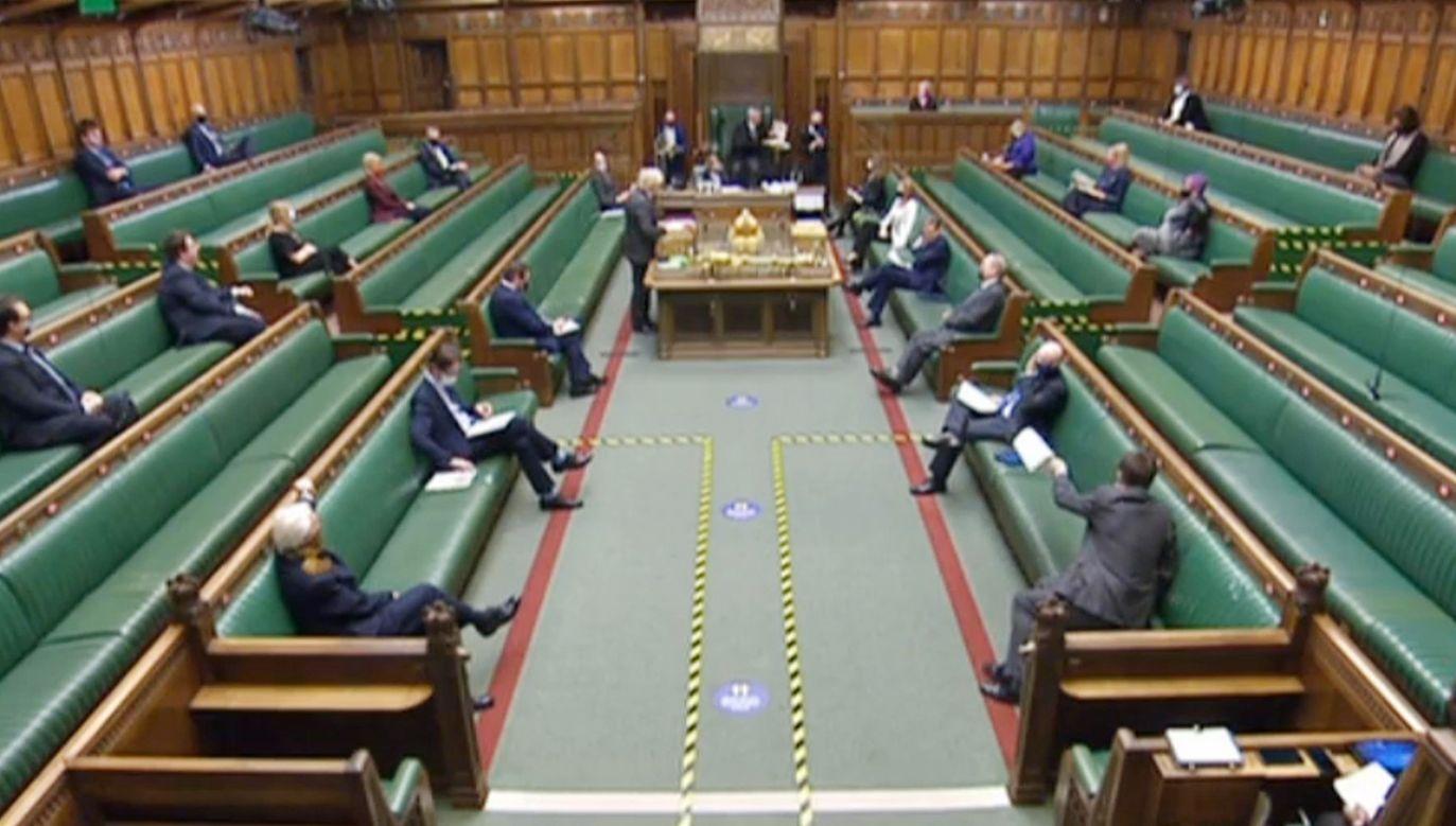 Posłowie bez marynarki nie mają głosu (fot. House of Commons/PA Images via Getty Images)