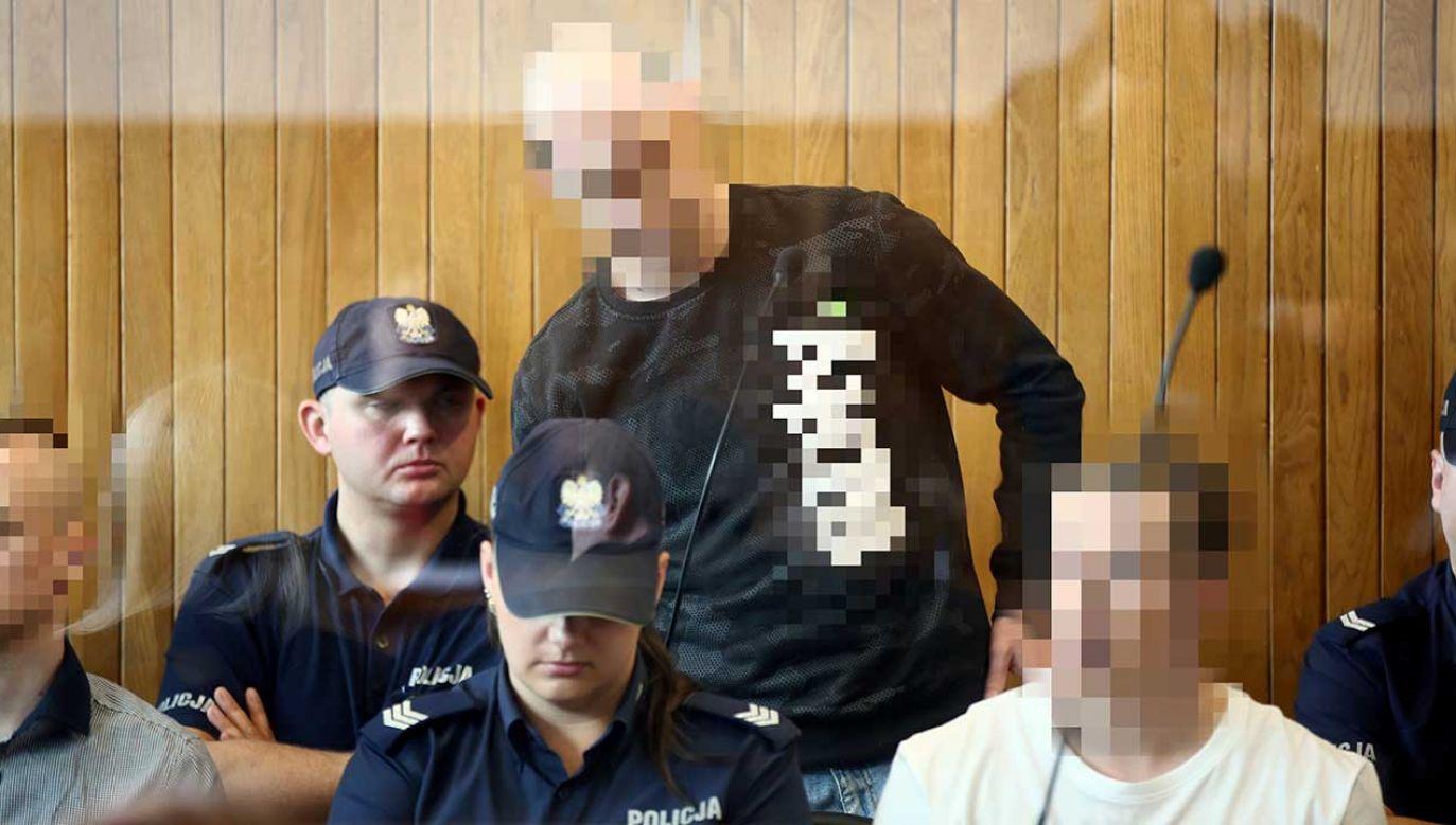 Decyzją sądu na uprawomocnienie się wyroku męźczyźni będą oczekiwali na wolności (fot. PAP/Łukasz Gągulski)