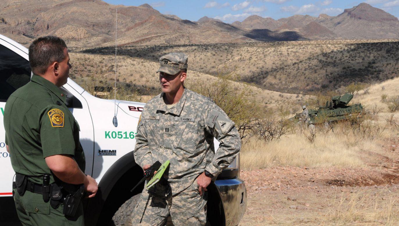 Amerykańscy żołnierze mają powstrzymać nielegalą imigrację (fot. US Army/Staff Sgt. Keith Anderson)