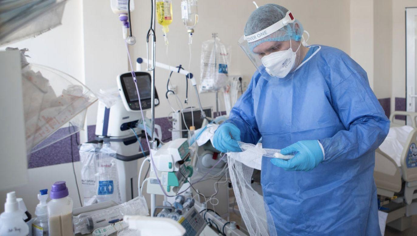 Raport o epidemii koronawirusa w Polsce (fot. Jacek Szydlowski/NurPhoto via Getty Images)