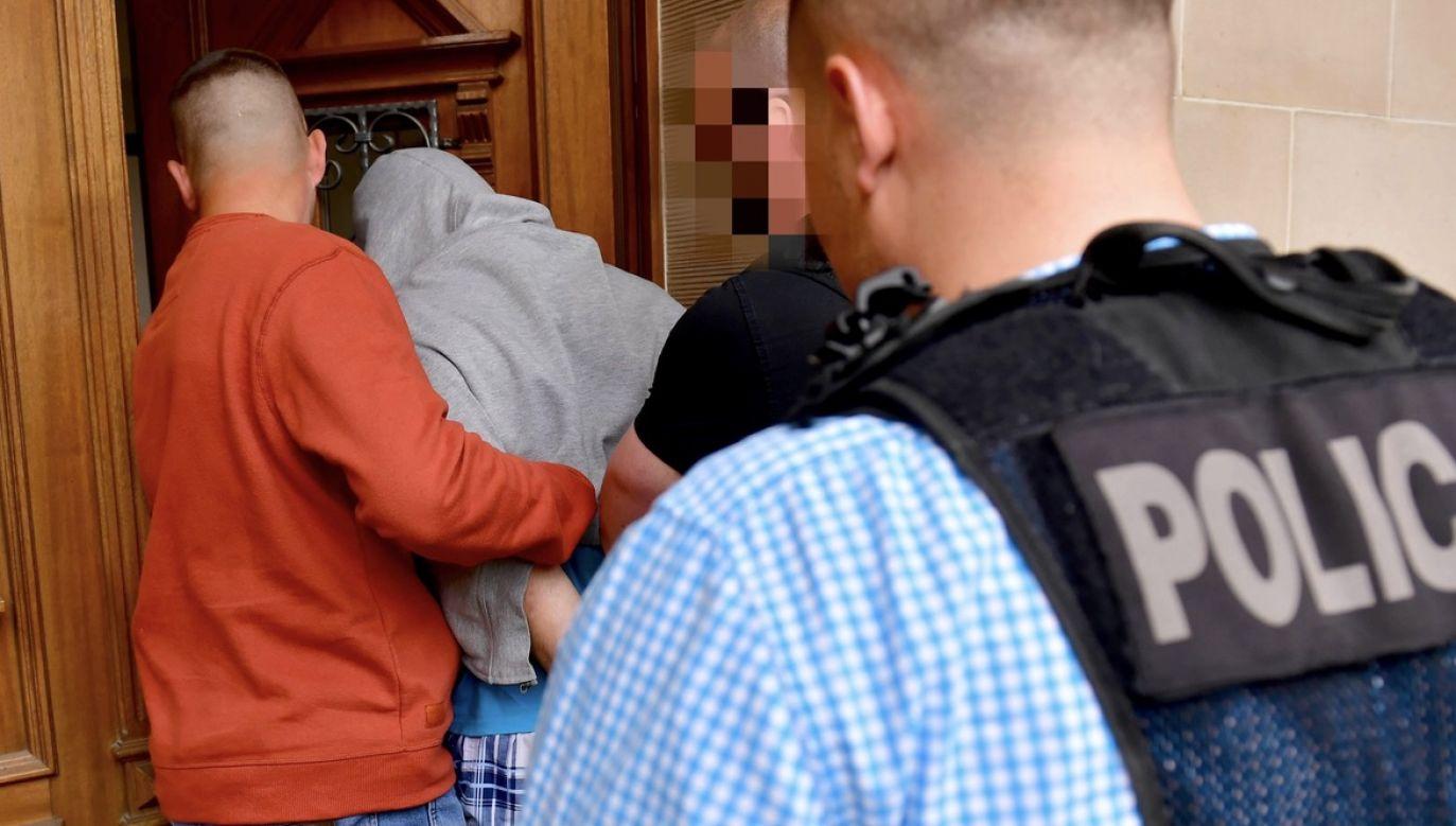 Policjanci szybko znaleźli oprawcę (fot. arch.PAP/Marcin Bielecki, zdjęcie ilustracyjne)