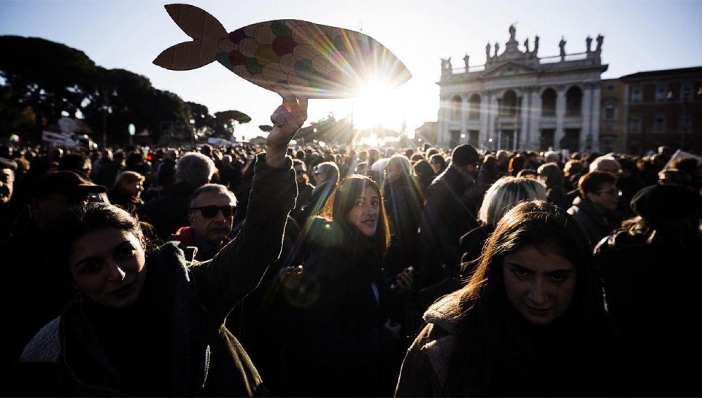 Na manifestację przyszło kilkadziesiąt tysięcy ludzi (fot. PAP/EPA/ANGELO CARCONI)